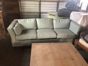 Free mid century modern couch for Sale in Murrieta, CA