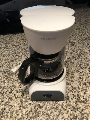 Mini Mr. Coffee electric coffee maker - 4 cup capacity for Sale in Orlando, FL