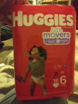Huggis little movers size 6 a box of 4 packs for Sale in Tucson, AZ