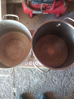 2 Sauce Pans No Lids for Sale in Cleveland,  OH