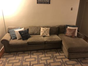 Sectional Sofa (green/brown) for Sale in Tarpon Springs, FL