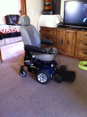 Handicap motor chair, for Sale in Kewadin, MI