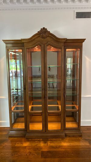 Curious Cabinetv for Sale in Sea Ranch Lakes, FL