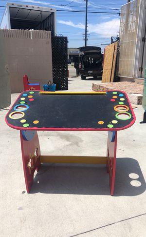 Kids art desk $25 for Sale in Bellflower, CA