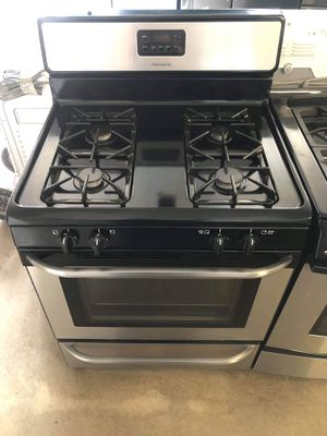 Used Frigidaire stove for Sale in Montclair, CA
