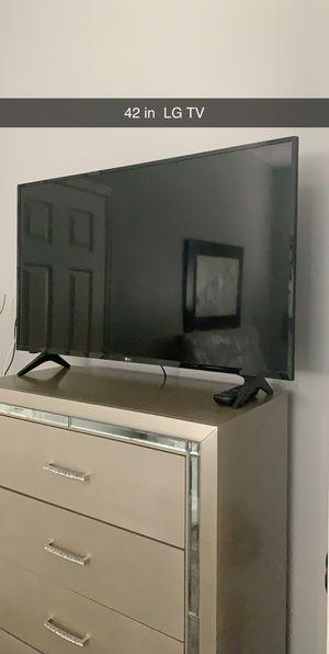TV LG 42in for Sale in Tampa, FL