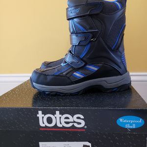 Kids Snow Boots! Size 8 for Sale in Springfield, VA