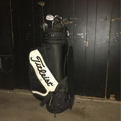 golfing equipment for Sale in East Dundee,  IL