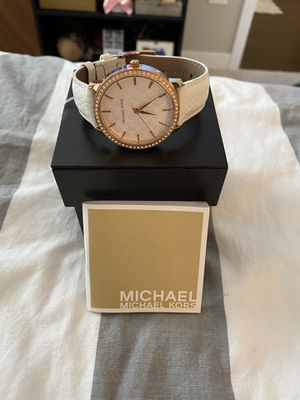 Like New Michael Kors Lady Nini Watch - MK2223 for Sale in Lisle, IL