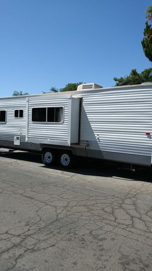 2012 Forest River 27 foot sleep aid fully self-contained ready to go for Sale in Fresno, CA