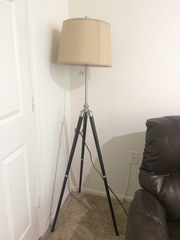 Tripod fancy corner lamp