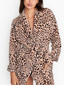 Victoria's Secret Plush Robe Animal Print Or Pink Xs/s NWT for Sale in Wagener,  SC