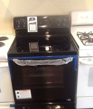 New open box frigidaire electric range LFF3018TB for Sale in Hawthorne, CA