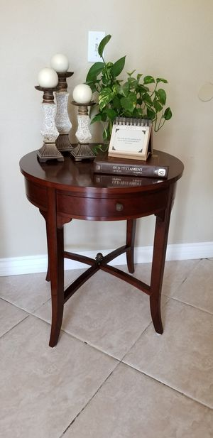 BEAUTIFUL -BOMBAY COMPANY- SIDE/ END TABLE WITH DRAWER. for Sale in Upland, CA