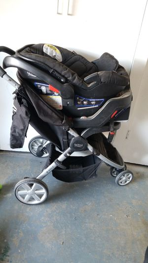 Britax super compact stroller and car seat for Sale in Ontario, CA