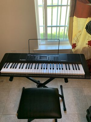 keyboard piano for Sale in Fresno, CA