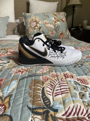 Nike Kyrie men's shoes size 10 for Sale in Redlands, CA