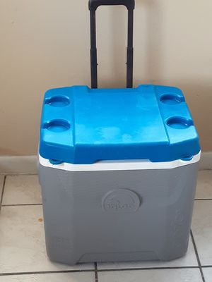 Cooler for Sale in Lake Worth, FL