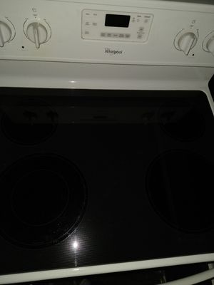 Whirlpool Range like new free delivery for Sale in Harrisburg, PA