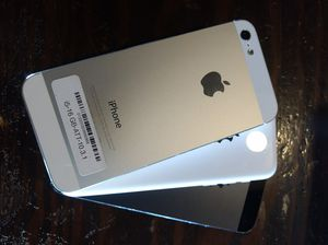 iPhone 5 great shape factory unlocked 16GB or 5C for Sale in North Miami Beach, FL