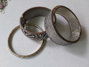 Lots of jewelry look at the photos. Any pic just $5 rings are $5 each. for Sale in Springfield, OR