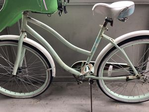 Cruiser bike with child seat for Sale in San Diego, CA