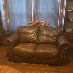 Brown Leather Sofa for Sale in Cleveland,  OH
