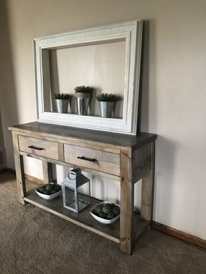Console table for Sale in Grove City, OH