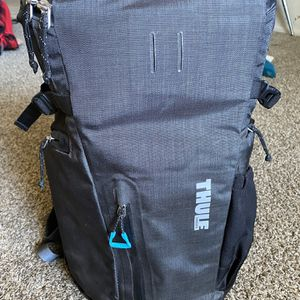 Thule Structured Camera Backpack for Sale in Phoenix, AZ