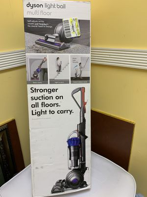 Dyson Light Ball Multifloor Bagless Upright Vacuum, for Sale in Raleigh, NC