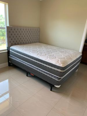 Memory foam mattresses and box springs FREE DELIVERY 🚚 FULL 200$ queen 220$ king 250$. Bed frame not included for Sale in Hollywood, FL