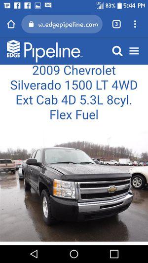 2009 chevy Silverado 4x4 z71 for Sale in Mount Vernon, OH