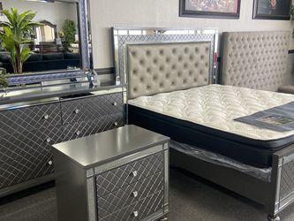 4 Pc Bedroom Set Led Frame for Sale in Fresno,  CA