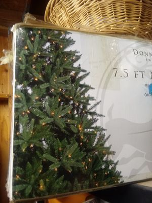 7.5 foot Christmas Tree for Sale in North Fort Myers, FL
