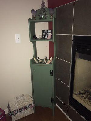 Small shelf stand for Sale in New Baltimore, MI