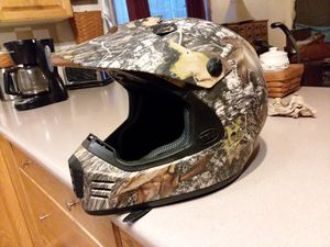 BELL XL CAMO HELMET. for Sale in Cardington, OH