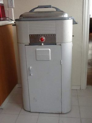 Westinghouse Roaster Oven and Cabinet for Sale in Tacoma, WA