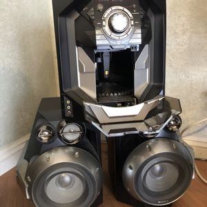 RARE 60 CD & Cassette Tape Sony Player for Sale in Beverly Hills, CA