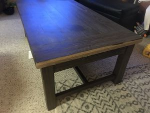 Coffee table - lift top for Sale in Everett, WA