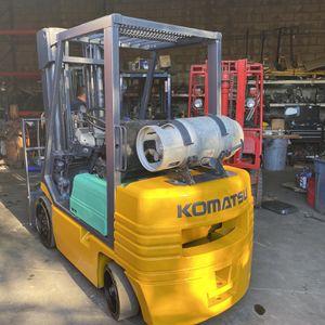 Komatsu Forklift 5000 Lbs for Sale in Huntington Park, CA