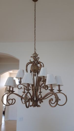 very nice Chandelier 12 lights for Sale in Lake Worth, FL