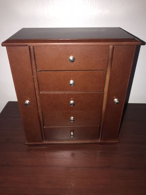 Jewelry box for Sale in Tallahassee, FL
