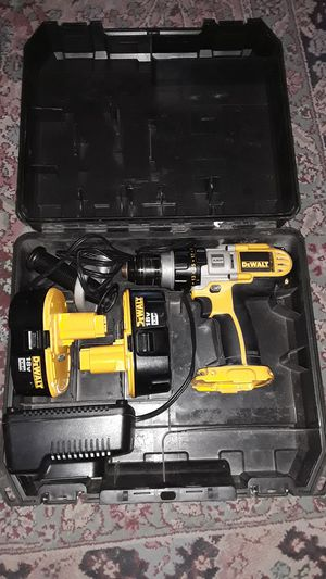 DeWalt 18 Volt Drill Set with Batteries and Charger for Sale in Las Vegas, NV