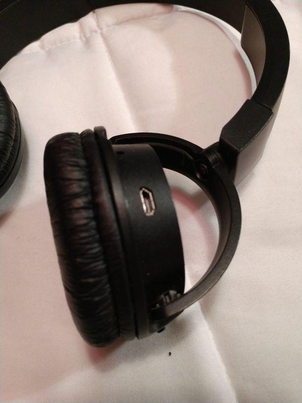 Jbl wireless head phones