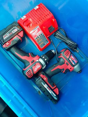 Milwaukee m18 2 drill 2 battery 1 5.0Ah 1 3.0Ah HIGH OUTPUT CP3.0 1 charger $190 precio firme for Sale in Los Angeles, CA