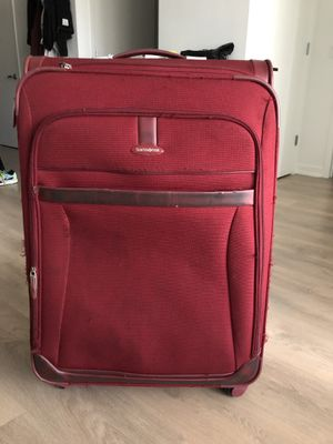 27 inch Samsonite suitcase for Sale in Bethesda, MD