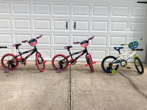 2 girls and 1 boys bike like new for Sale in Tampa, FL