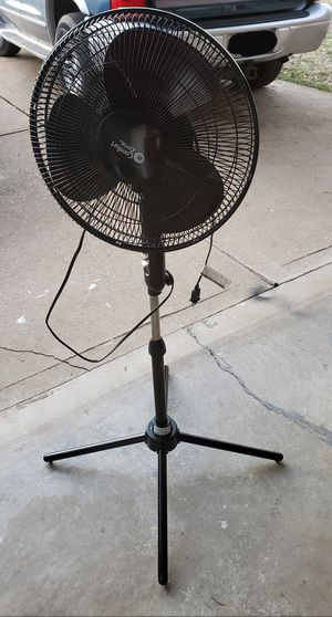 2 Comfort Zone 3 Speed Black Oscillating Fan with Folding Quad-Pod Base for Sale in Arnold, MO