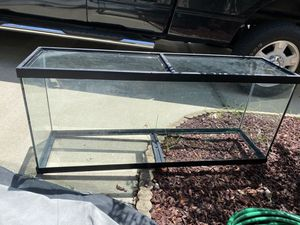 55 gallon tank (does not hold water) for Sale in Eustis, FL