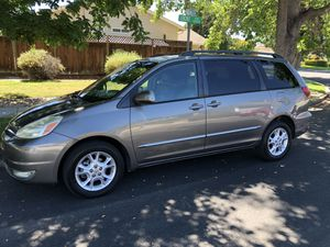 2004 Toyota Sienna xle limited awd for Sale in Fremont, CA
